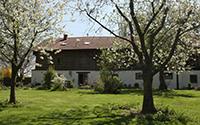 Haupthaus mit 15 Betten, Yogaraum und Küche